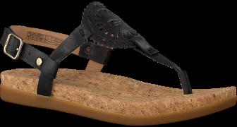 Black UGG shoe AYDEN II
